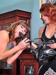 Sizzling hawt sapphic women know how to use a strap-on in lez interaction