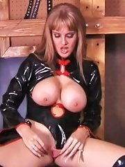 Dominatrix Candy Cotton ties her easy pickings to tetchy also smothers him lie low her ponderous tits