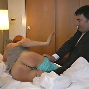 The lazy wife was spanked by bathbrush