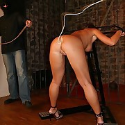 Slave had come out from the cage and got whipped