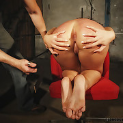 Brutal potent circle bondage increased by whipping with Lola