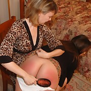 Awesome crumpet has her buns flogged