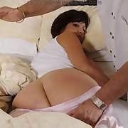 Milf was spanked unconnected with the shoe