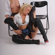 These leather boot loving lesbian babes acquire each other wet
