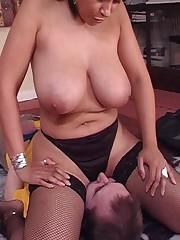 Big tit babe smothers boyfriend