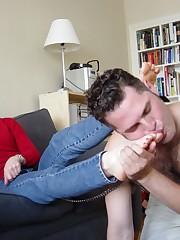 Boyfriend licked feet