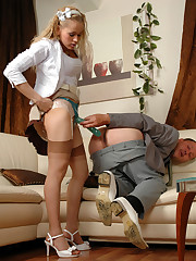 hot lady busy straponfucking