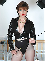 Leather femdom mistress