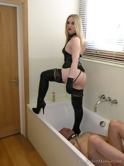 Bathroom Piss Slave