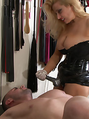 The mistress made malesub suck strapon