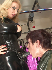 Latex mistress fucked submissive man