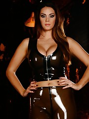 Amazon Alison Tyler shows off her hawt body in curve hugging latex