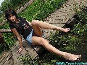 Do you like her sweet feet