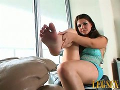 Legs A Lovin'