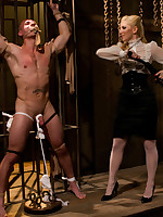 The dominatrix sheepish and teased a pantyhose slaveman