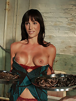 Slavegirl is chained and trained to balance trays