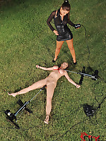 Mistress Forces Someone's skin Fucking Machine On Tied Comme ci Babe