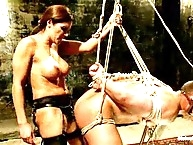 Francesca did her slave by strapon