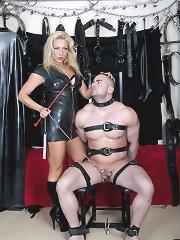 Uk Mistress wears latex
