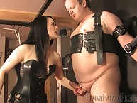 Chunky slave got hardcore chastisement