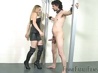 Attendant made of ball busting