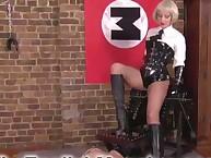 The murderous mistress has her feet idolized