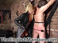 malesub is suffering from hard flogging from domme