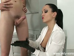 Kink domme Liza shows latex gloved tugjob with reference to plugola with an increment of facefucking skills.