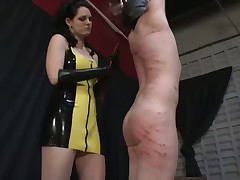 Latex Dominatrix beat her totally bounded sex slave