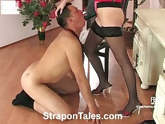 Male slave bitch in cuckold action