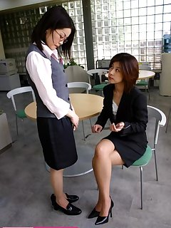 <!–-IMAGE_COUNT-–> of Office girl gets hard spanked