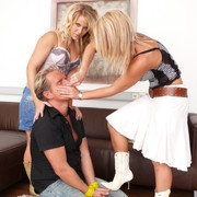 Two blondey chick's smothered guy