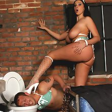 Boosty domme kicking slave