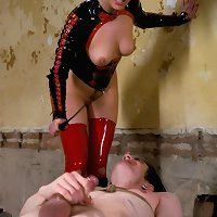 Nice-looking dominatrix-bitch slave tutor electrocutes and bonks his ass