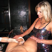 Hen\'s night out gone so wrong for the poor male stripper
