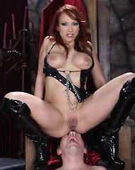 Hot mistress sat on slave\'s face